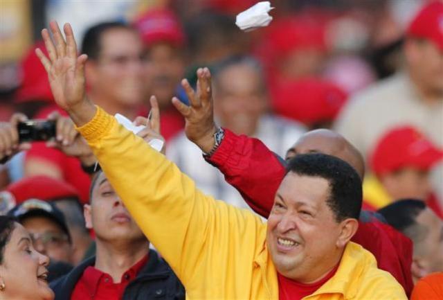"""Chávez """"del barrio"""" lucha por el voto joven de Venezuela"""